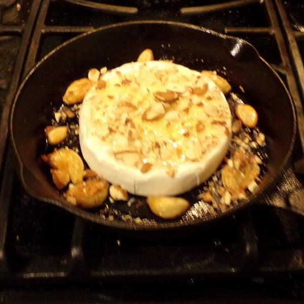 Baked brie skillet